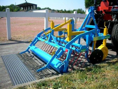 D sherbeur m canique 1 10 m et 1 30 m en location - Desherbage mecanique des allees ...
